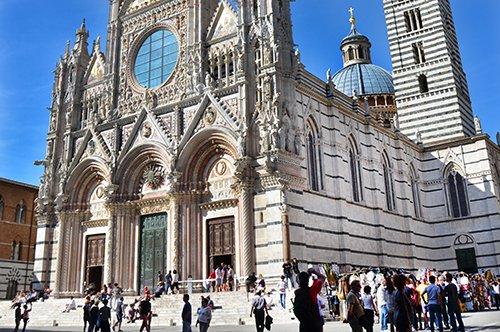 Zur Entdeckung von Siena