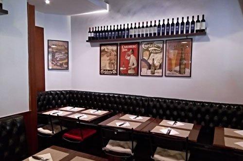 Ris Café Pub & Restaurant, a stop close to the Vatican