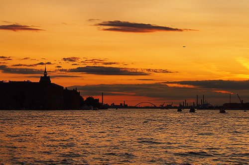 Venedig Bootsfahrt bei Sonnenuntergang