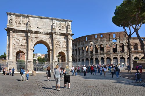 Colosseum, Palatine and Roman Forum - 3h Tour + Map of Rome