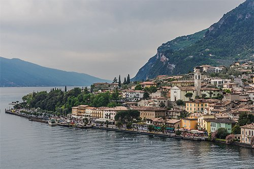 Group guided tour to Lake Garda