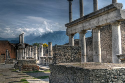 Passeio por Nápoles e Pompeia – saindo de Roma