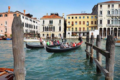 Serenata na gôndola em Veneza