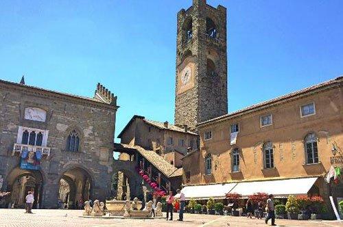 Tagesausflug Oberstadt von Bergamo