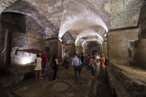 夜晚的古罗马卡拉卡拉浴场遗址 - 团队行程