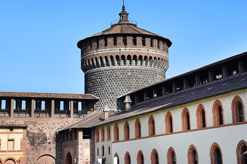 Tour de groupe Les Murs du Château des Sforza