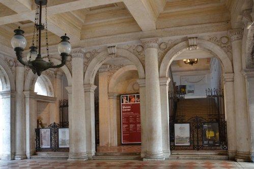 Visita Guiada en grupo al Museo Correr