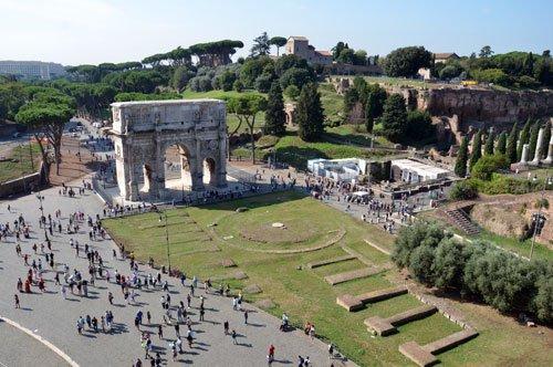 Visita guiada en grupo al Subterráneo y al Belvedere del Coliseo