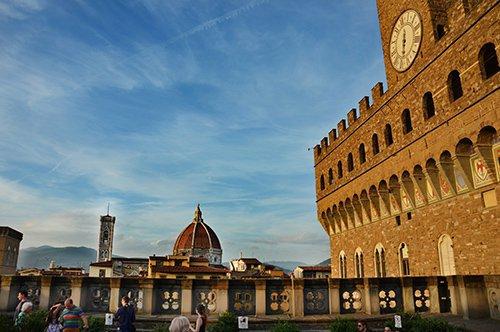 Florencia a pie y Galería de los Uffizi - visita privata
