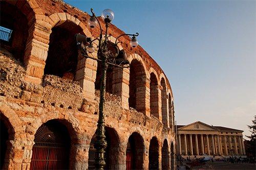 Entrada a la Arena de Verona